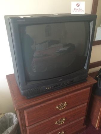French Quarter Inn: Old TV