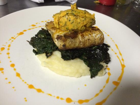 The Mayfly Restaurant and Cocktail Bar: Grilled Kingklip on Mash potatoe wiltered spinach and a herb Butter.