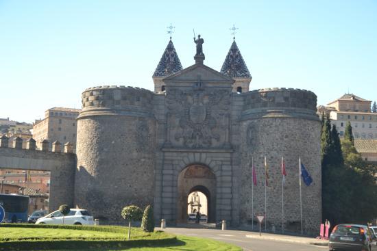 Porta de bisagra toledo espanha picture of puerta de - Bisagra de puerta ...