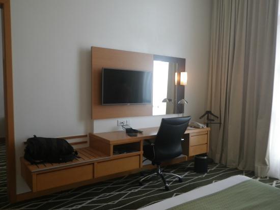 Holiday Inn Melaka 2nd Tv And The Dressing Work Desk In Bedroom