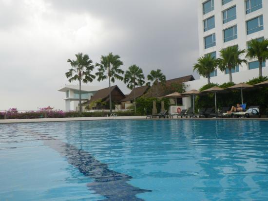 Swimming Pool Picture Of Holiday Inn Melaka Melaka Tripadvisor