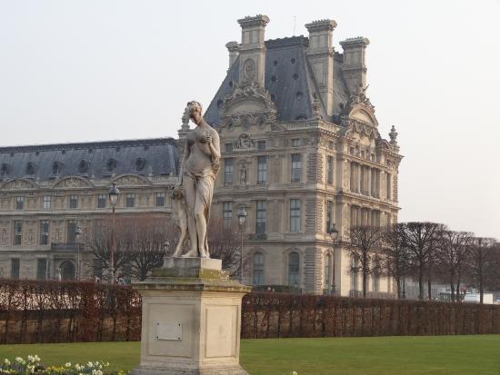 In cio do jardin des tuileries no arco do triunfo for Arco decorativo jardin
