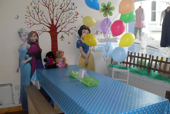 The Teddy Workshop: Party table in our brand new workshop