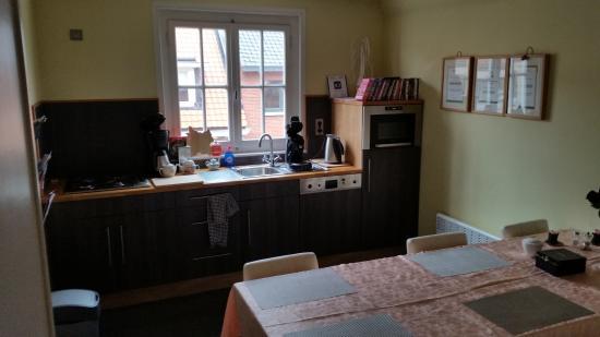Bed and Breakfast Het Consulaat: useful kitchen