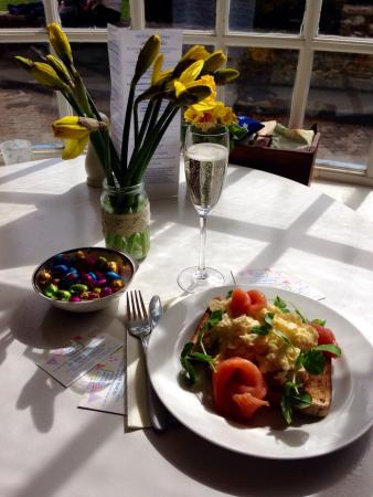 No. 9 On the Green: Smoked salmon and scrambled eggs with a cheeky Prosecco.