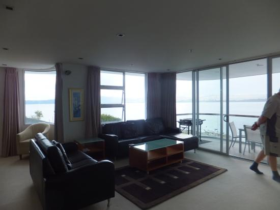 Waimahana Luxury Lakeside Apartments : Apartment 8