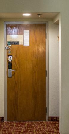 Quality Inn In Room Secured Door & In Room Secured Door - Picture of Quality Inn Fort Smith - TripAdvisor