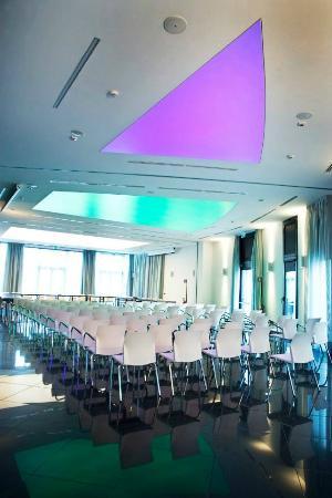 Meeting foto di amati design hotel zola predosa for Design hotel 69