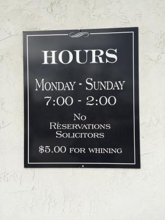 Cottage Cafe : Funny Sign