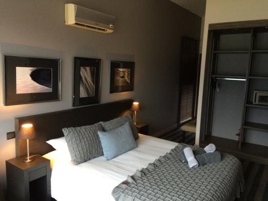La chambre - Picture of Les Suites du Lac, Aix-les-Bains - TripAdvisor