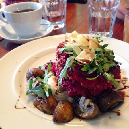 Cafe Engel : Beetroot Burger