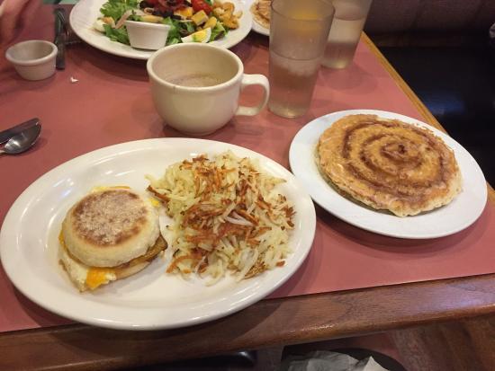 The Breakfast Club : Too much yummy food!