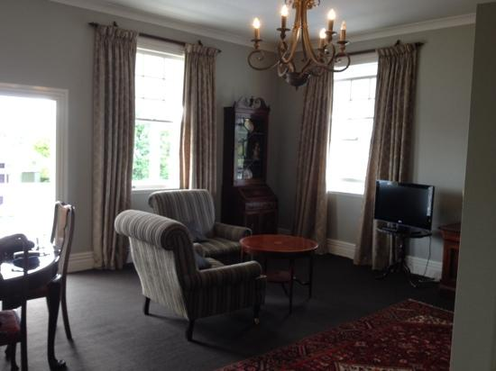 The White Swan: george suite