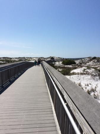 Topsail Beach State Preserve: Boardwalk to beach