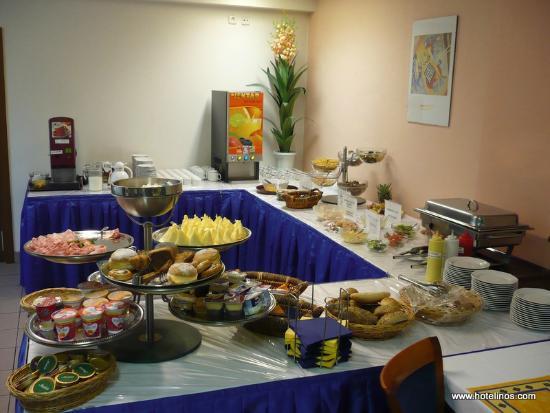 Inos: Breakfast