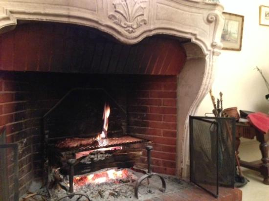 Chateau de Messey : Dinner prepared on the open fire