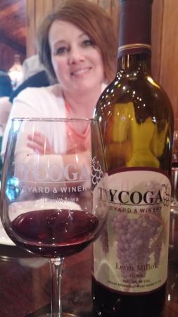 DeWitt, IA: Great wine with great friends.