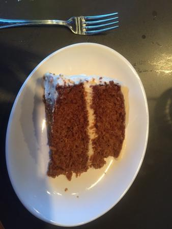 Cazzy's Corner Grill: Carrot cake - Yum!