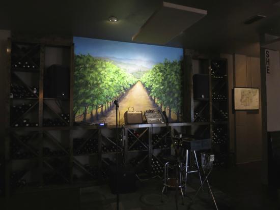 The Orange House Wine Bar: Inside