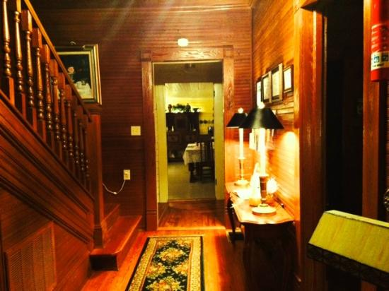 The Duck Smith House Bed & Breakfast : Entryway