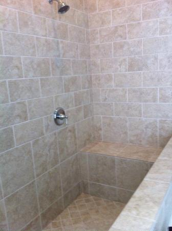 Cameron Inn: GREAT SHOWER AREA