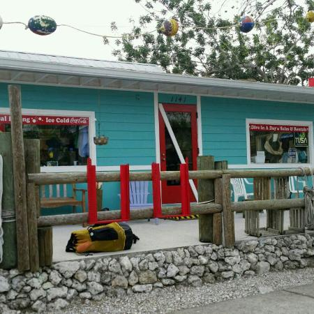 Scuba Marco: Cutest place on Bald Eagle Drive!