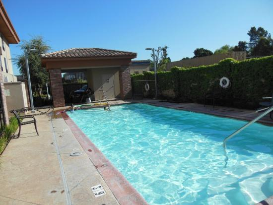 Holiday Inn Express Hotel & Suites Atascadero : Outdoor pool