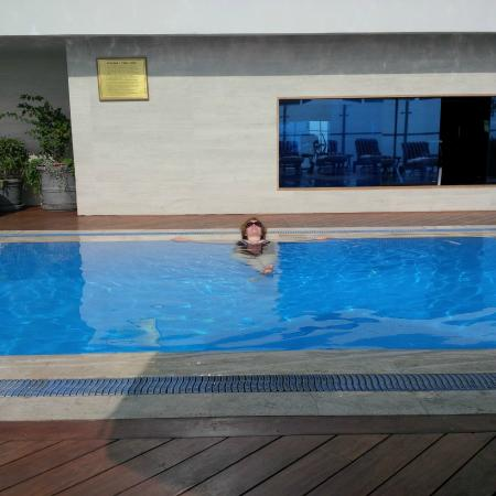 Miraflores Suites in Lima Peru : Lovely warm pool.