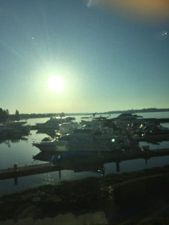 Le Grand Bistro Americain: Carillon Point Marina - view from the table