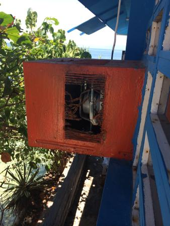 Anthony Beach Resort: Aircon is need repair -