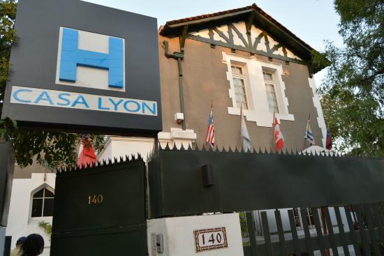 Hotel Casa Lyon: vista del frente del hotel