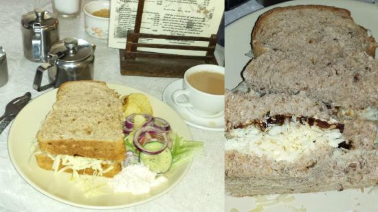 Kildale, UK: Cheese and pickle sandwich