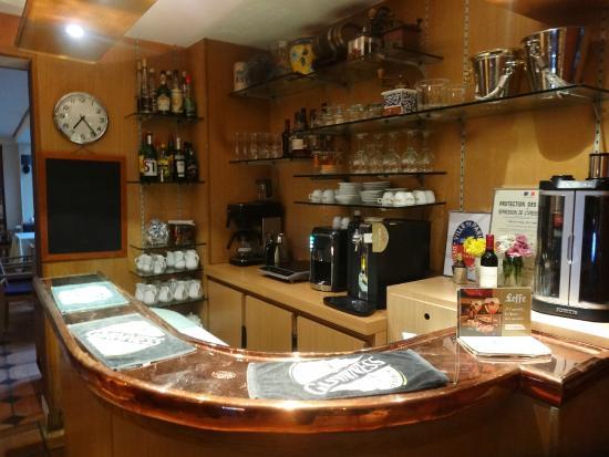 """Hotel Boileau: Small """"kitchen"""" area"""
