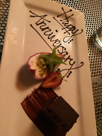 Pee Wee's at the Point: Wonderful complimentary anniversary dessert