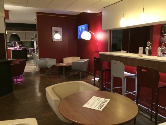 Campanile Perpignan Nord Rivesaltes: Le bar