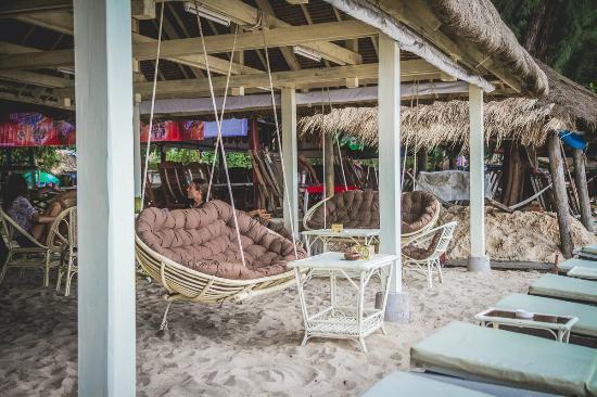 White Rabbit Beach Cafe: White Rabbit restaurant at Hawaii beach, Sihanoukville
