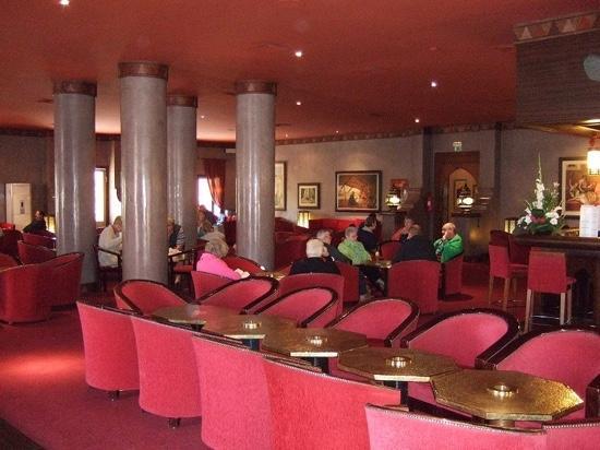 Comfortable Zanzibar Lounge and Bar