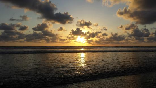 4 You Hostal: Playa Guiones at sunset