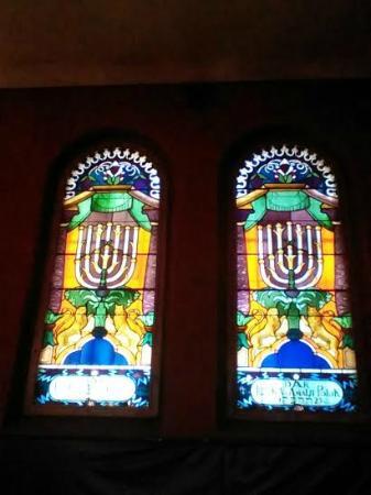 Reformed Tempel Synagogue (Synagoga Tempel): Stunningly Restored Windows
