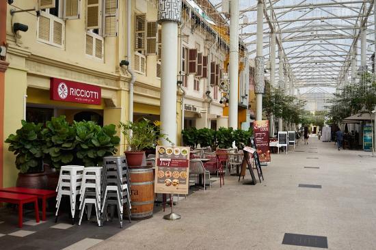 Ricciotti Italian Deli & Pastry