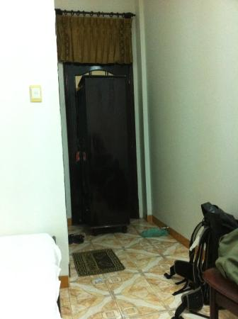 Thien Trung Hotel: a closet put infront of the door so they wouldnt sneak in at night when we're asleep...