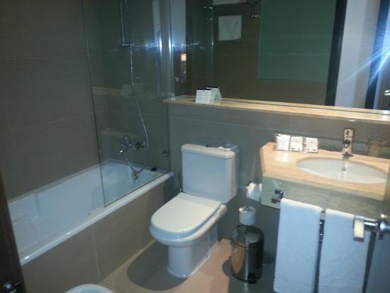 Hotel Conilsol : Baño