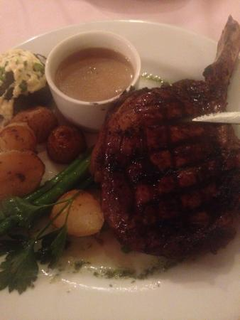 Rosewood Cottage Bar & Grill : Rib eye