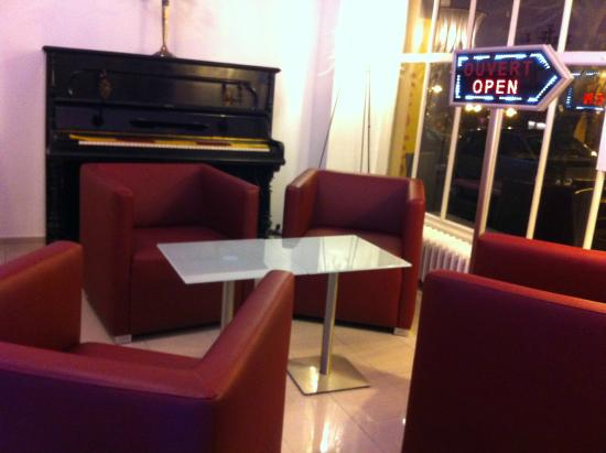 Albert Premier Hotel: Piano Bar et Salon the Dansant