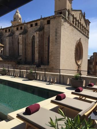 Sant francesc hotel singular views from the rooftop pool terrace picture of sant francesc for Palma de mallorca hotels with swimming pool