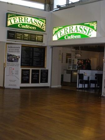 Terrasse Cafeen Du Kan Sidde Lidt I Skjul Billede Af Terrasse