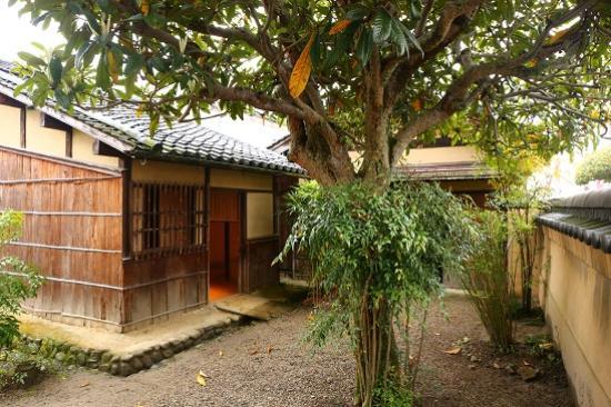 Basho Birthplace : 松尾芭蕉生家