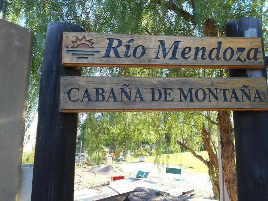Casona y Cabanas Rio Mendoza: Cartel al ingresar