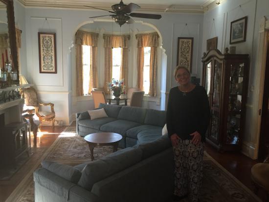 Amethyst Garden: Jane in the family room