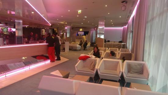 ski in ski out picture of club med val thorens. Black Bedroom Furniture Sets. Home Design Ideas